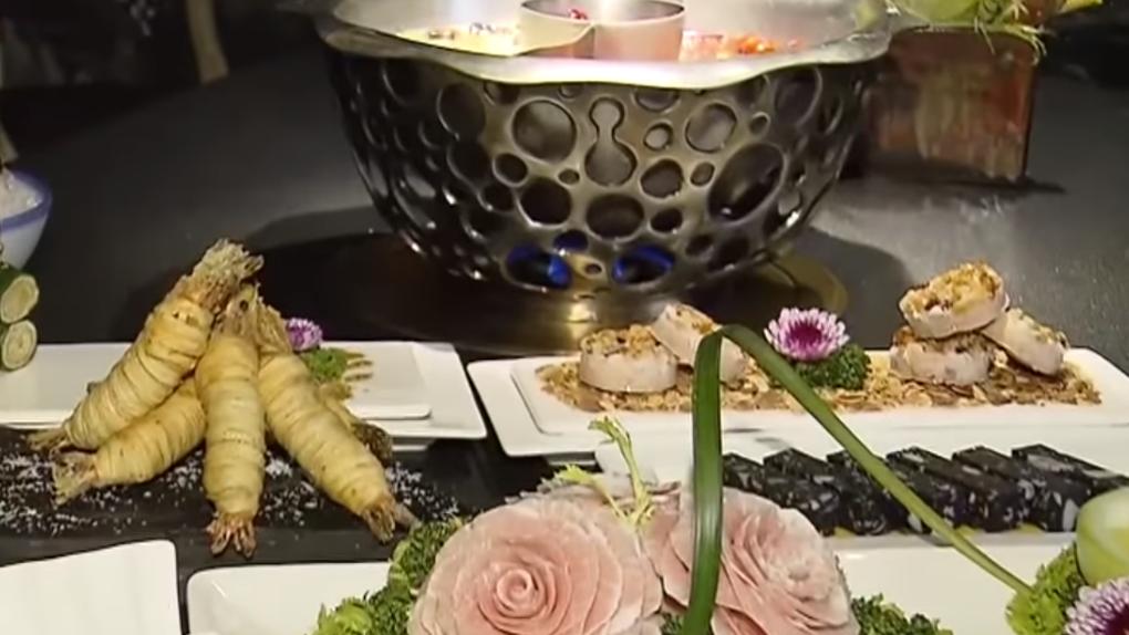 玫瑰型松阪豬、繽紛菜盤 高檔食材堪稱「鍋界LV」