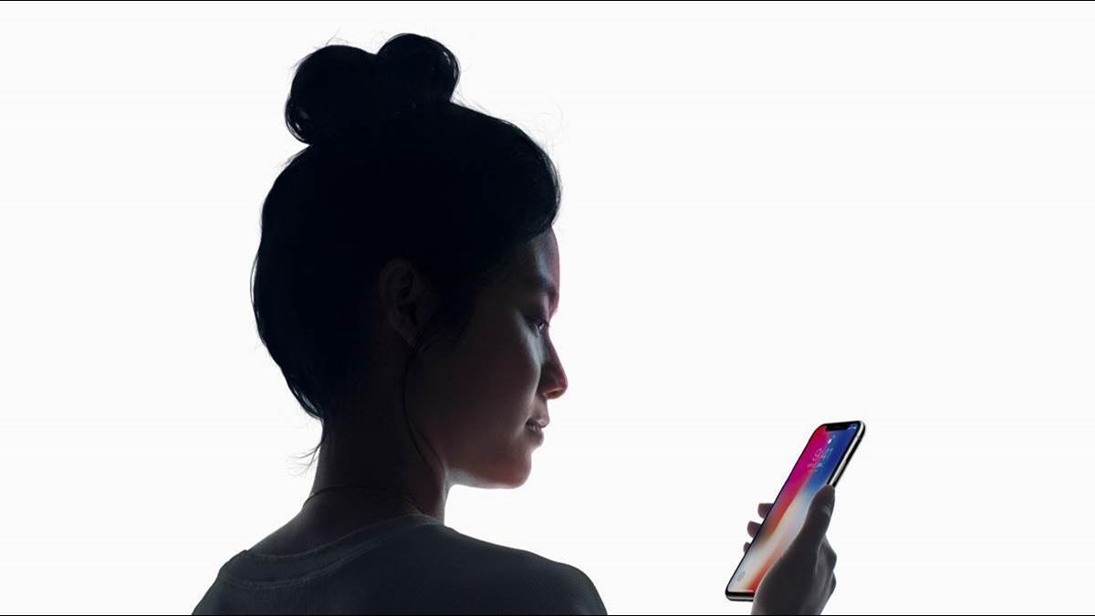 逼換機?蘋果承認故意讓舊iPhone變慢 果粉不爽提告「詐欺」