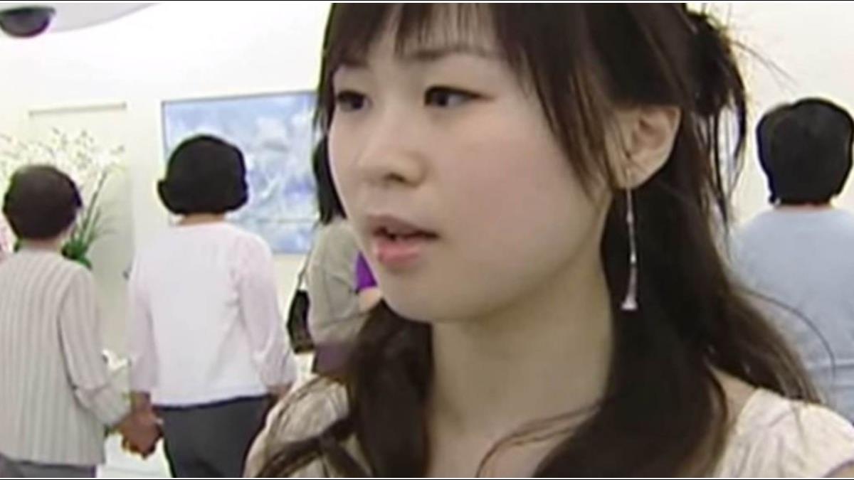 趕老公出門!?王文洋百億千金驚爆婚變 當街熊抱型男攝影師