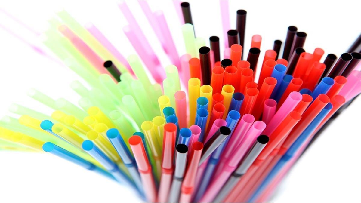 響應限塑政策!民眾向國發會提議:塑膠吸管一支1元