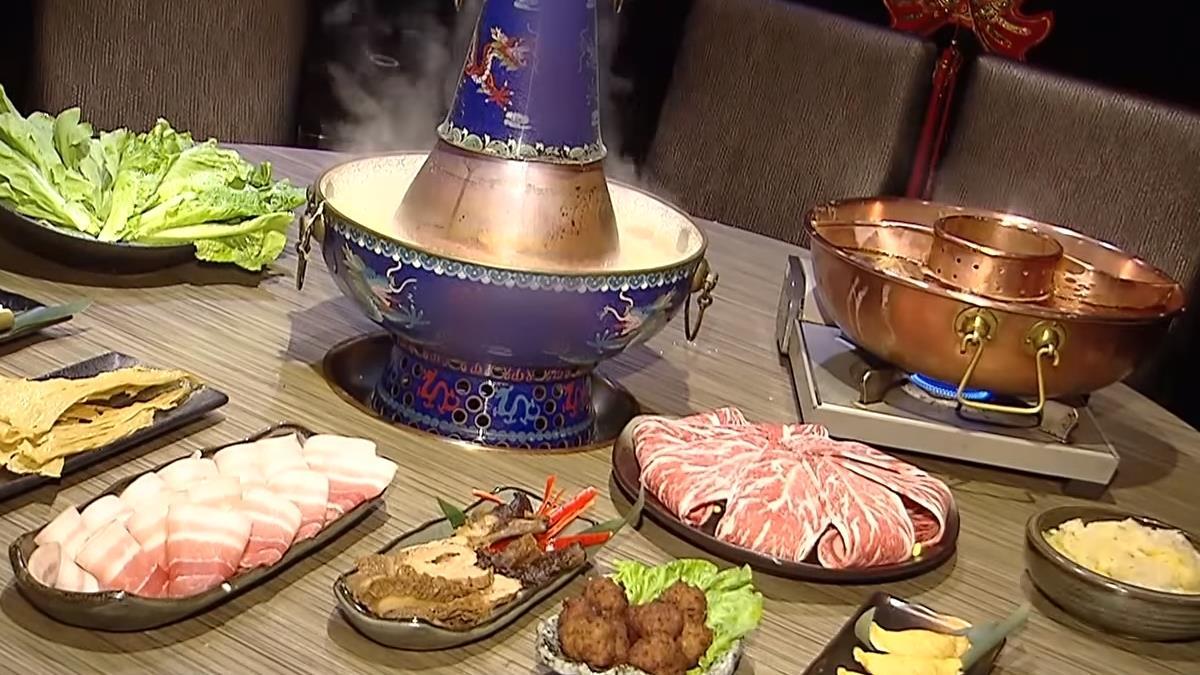 東北酸白菜鍋搭麻辣湯 鴛鴦鍋日銷30份