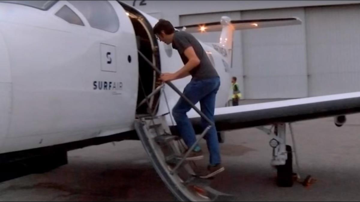 為和家人多相處3小時 他月砸7萬搭飛機通勤來回1200公里