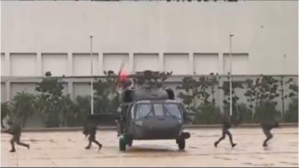 黑鷹造價20億去年才交機 葉俊榮:不放棄任何搶救人員機會