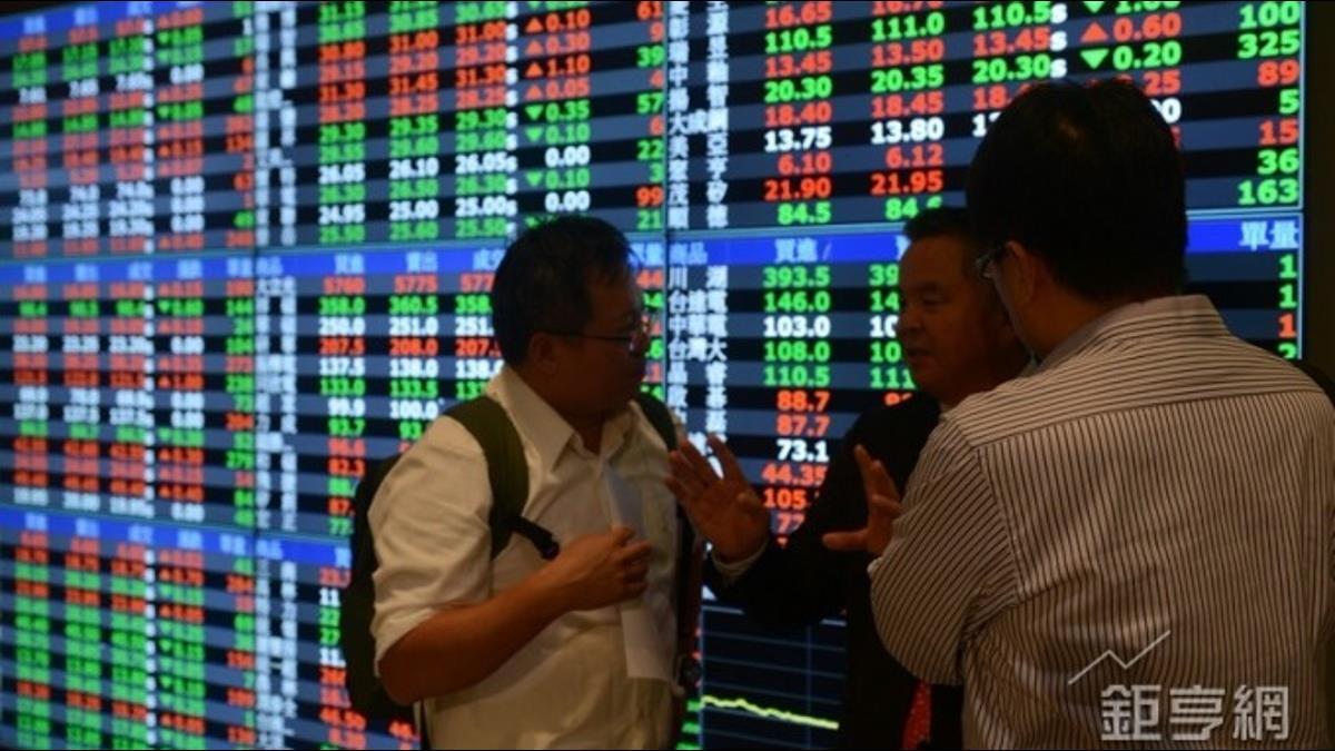 台股摜破年線國安基金護盤?操盤手蘇建榮:還在觀察