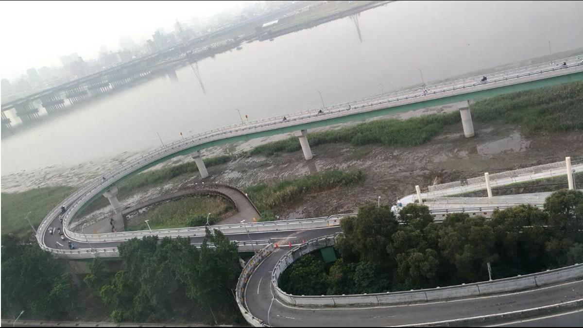 「重陽橋GP賽道」掰掰!2.9億新引道開通 機車族評價兩極