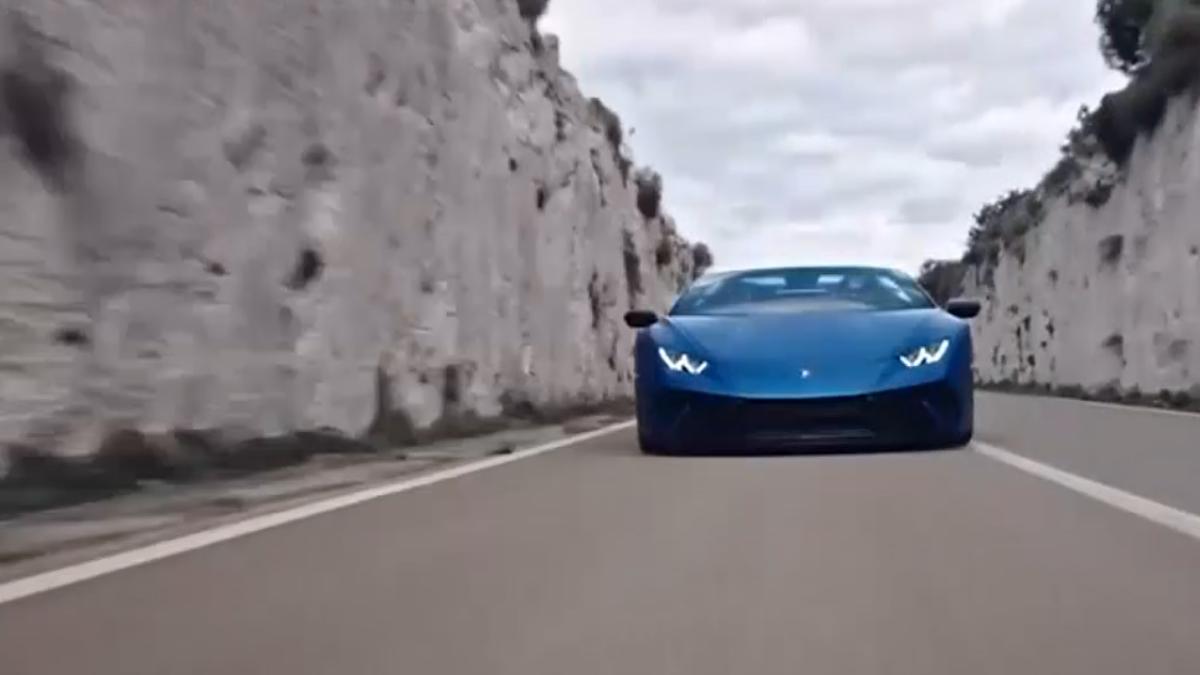 日內瓦超跑戰! Ferrari新車款、藍寶堅尼敞篷款
