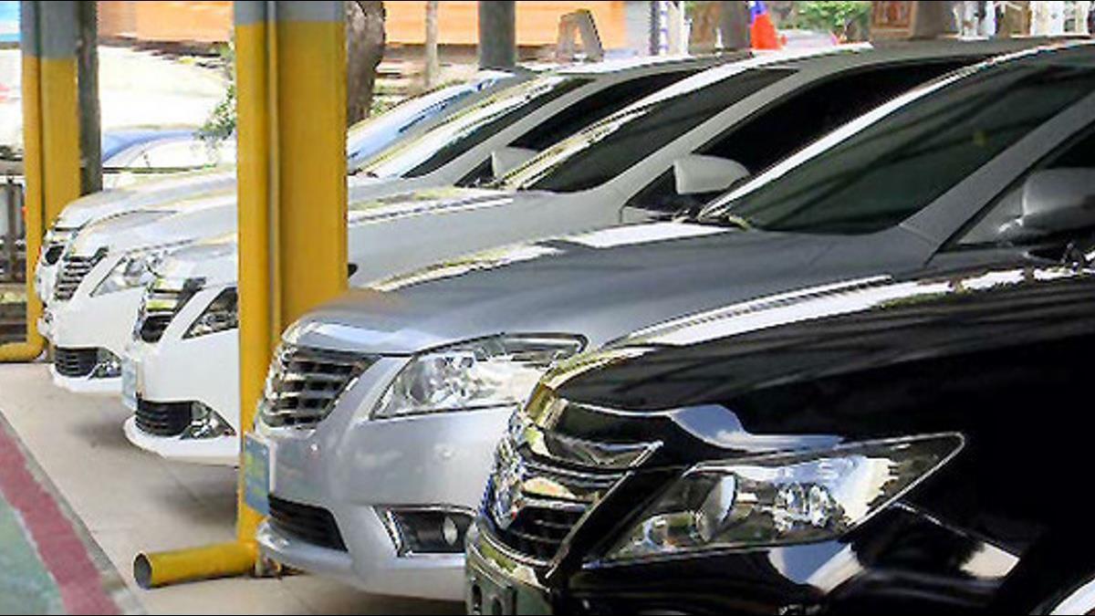 搶中古車網站市場!Momo四月開賣二手車