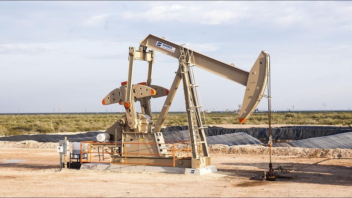 首日爆量的中國原油期貨 搶的是原油定價能力還是貨幣實力?