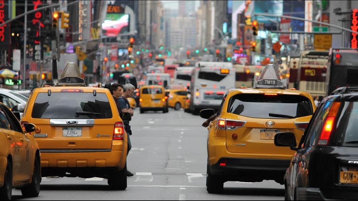 計程車運將工時長又低薪?   網友建議:起跳價改為200元、續跳升10元