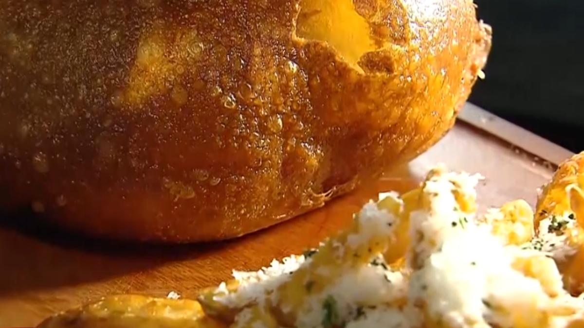 電競選手轉戰餐飲 「炸漢堡」肉汁豐