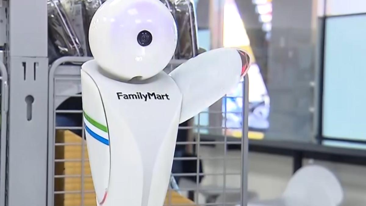 智慧超商開張 能喝機器人沖的咖啡