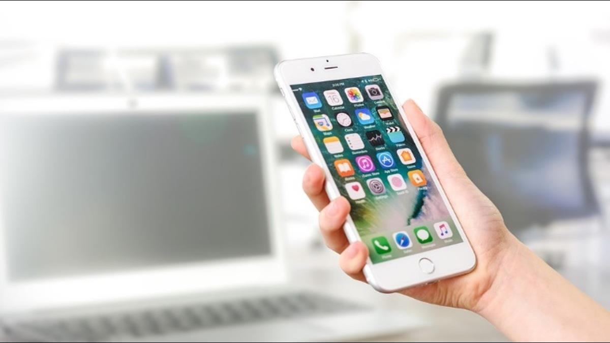 「手機變順」蘋果釋出iOS 11.3更新 被降速的iPhone不卡了!