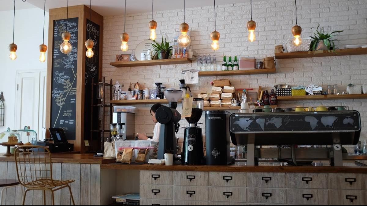 在台北創業開咖啡廳月賺5萬該放棄?網友點出一個最大風險