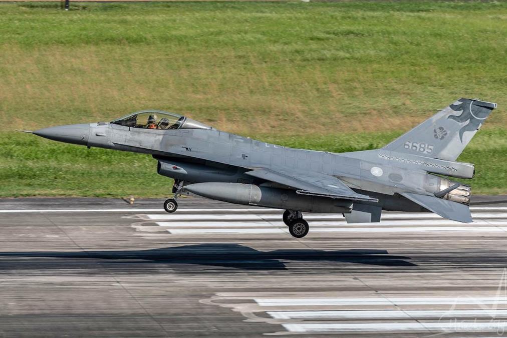 【影片】漢光演習一架F-16失聯 瑞芳疑尋獲殘骸