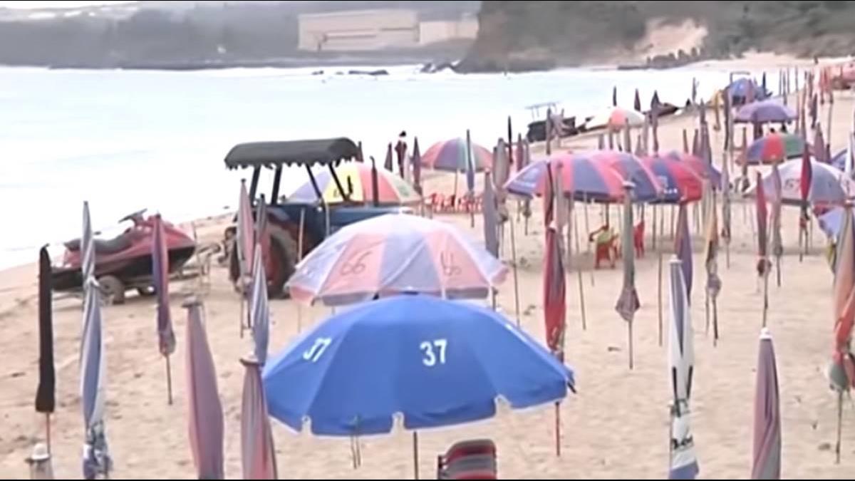 墾丁救觀光第一步! 告別「五百萬」南灣沙灘統一用藍色陽傘