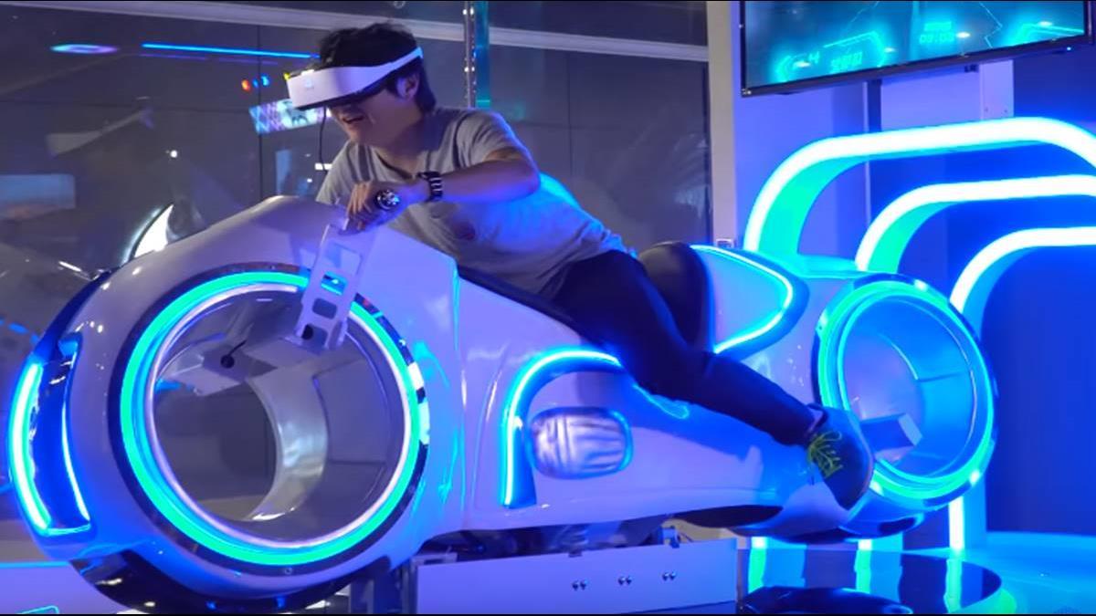 加入體感的VR世界是如何? 怡塵化身「一級玩家」帶你體驗
