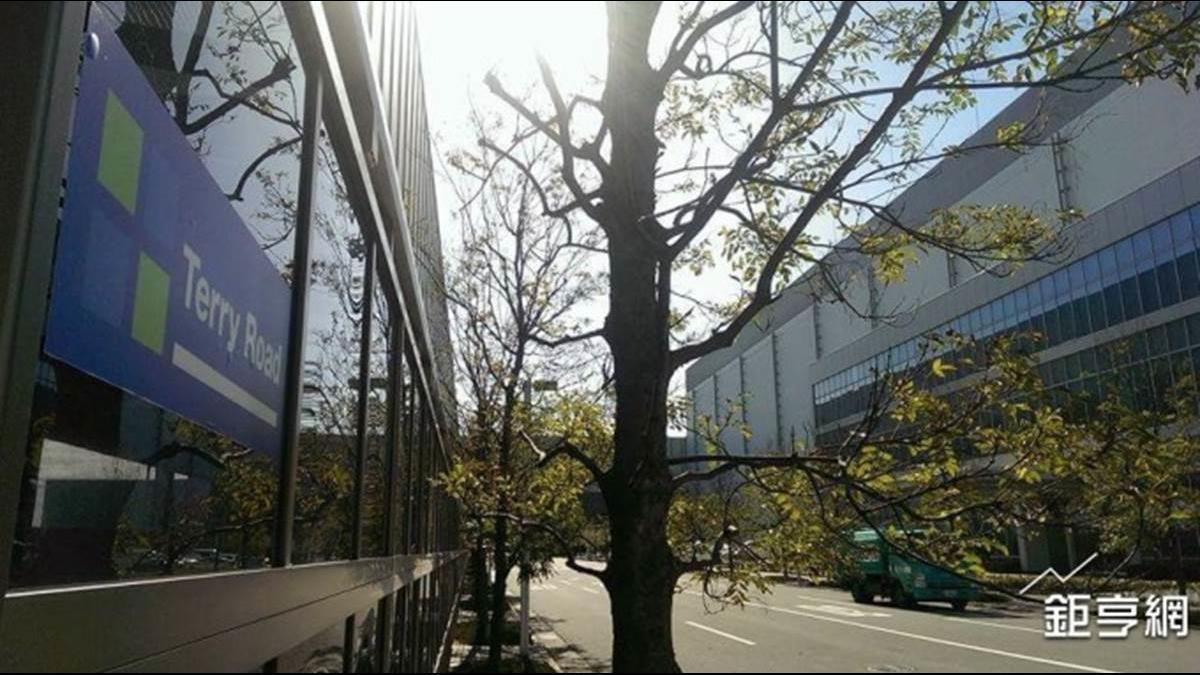 鴻海夏普大阪堺工廠因地震部分停機 徹底檢查後將重新運作