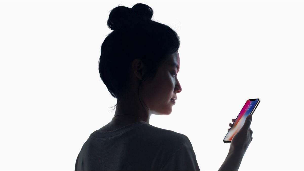 白宫貿易顧問Navarro:對iPhone可獲關稅豁免並不知情