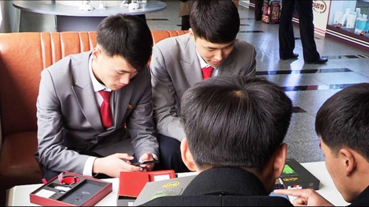 北韓推最新智慧手機「阿里郎171」 年輕人讚北韓手機水平