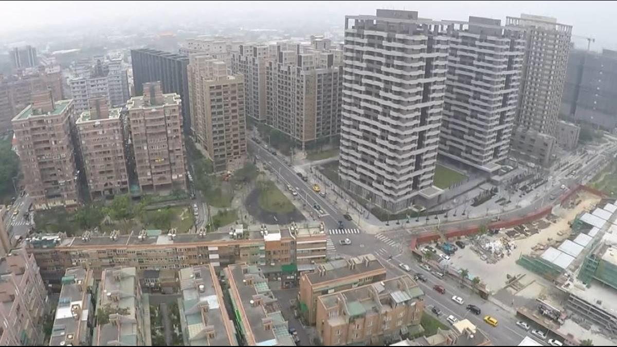 他質疑「買青埔搭高鐵通勤划算嗎?」網友專業分析打臉