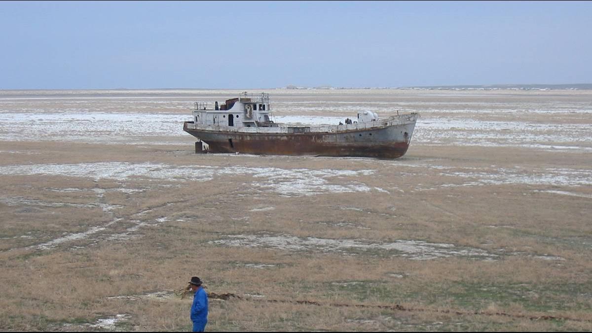 鹹海變池塘!烏茲別克引進40艘艦艇「有船沒海」海軍夢碎