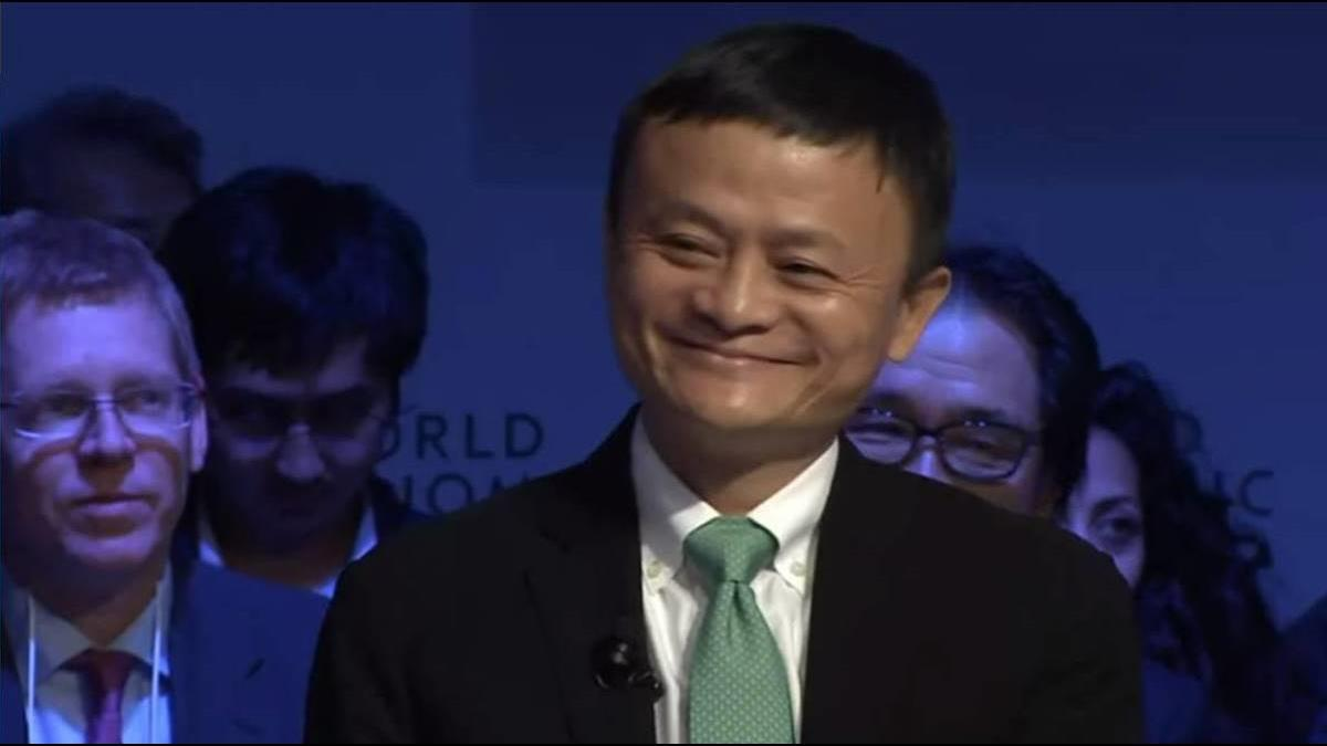 阿里巴巴宣布馬雲一年後辭主席 CEO接班人是他
