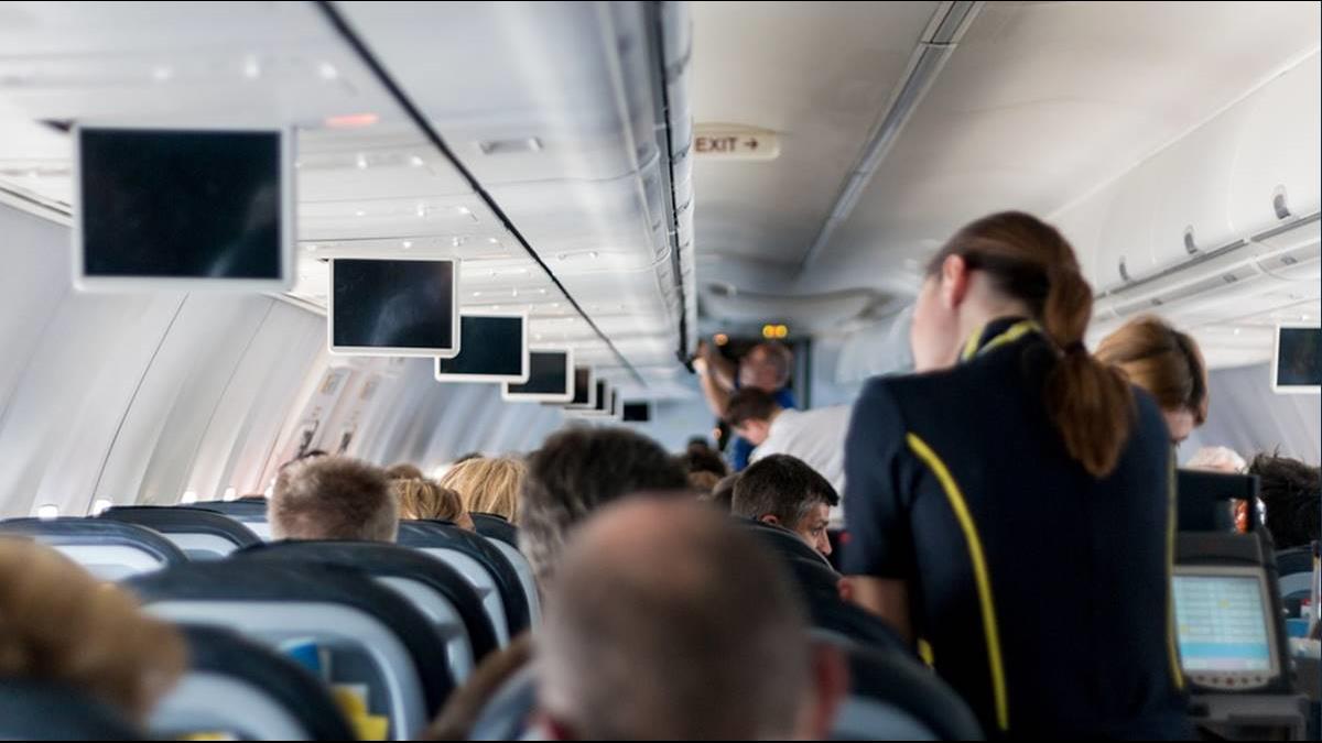 光鮮亮麗的背後 空姐連「生理期」都需被監控