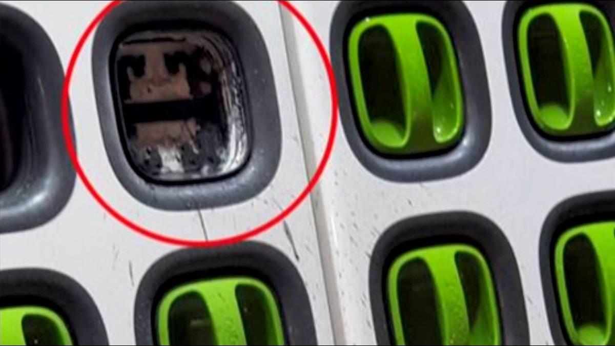 全國首例! 電動車電池蓋炸裂飛對街