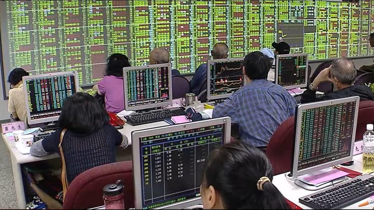 投資人進場全賠錢!台股4天崩600點 跌破今年起漲點