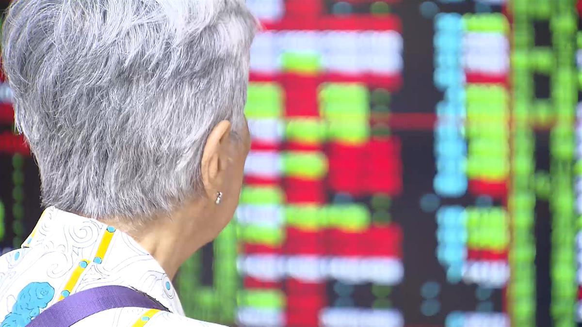 【影片】股民喊世界末日!台股萬點失守 分析師警告「別再把跌深當利多」