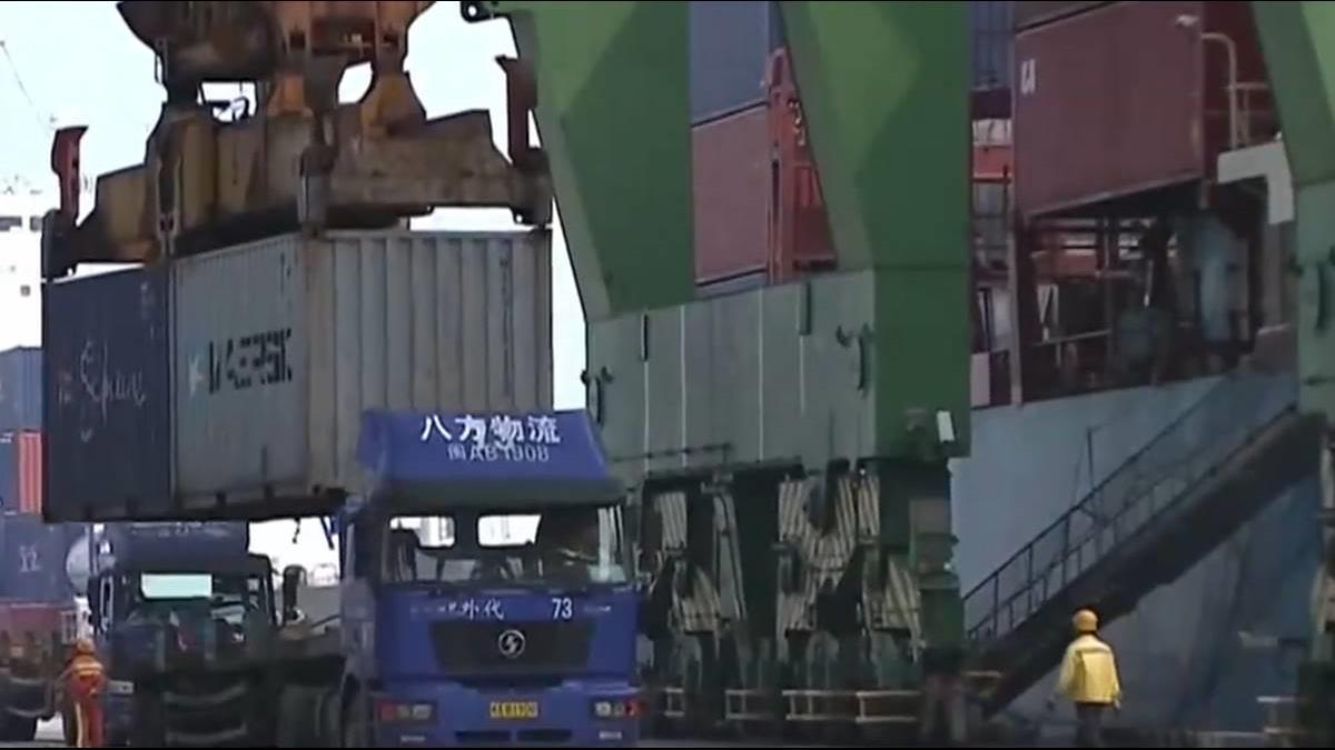 中美貿戰流彈亂飛 出口萎縮年減1.3%
