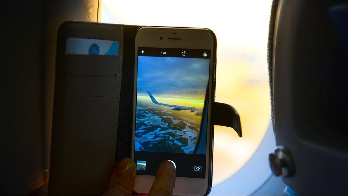 與安全無關!為何搭飛機要關手機?機長這樣說
