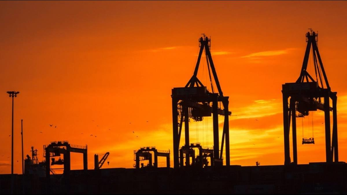〈美沙緊張〉沙國將動用「石油武器」?市場憂心加劇 油價週一強升