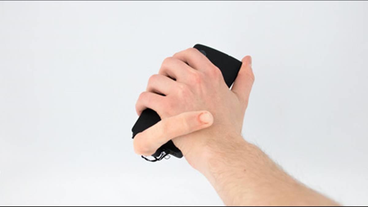 噁!機器手指「輕撫你」提醒手機訊息來了