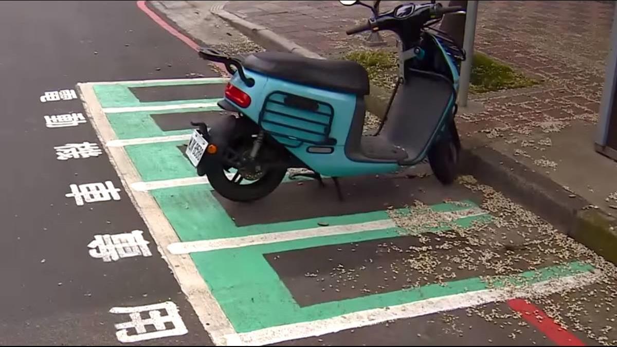 新北市設「電動機車格」 騎士怨:一般車無法停