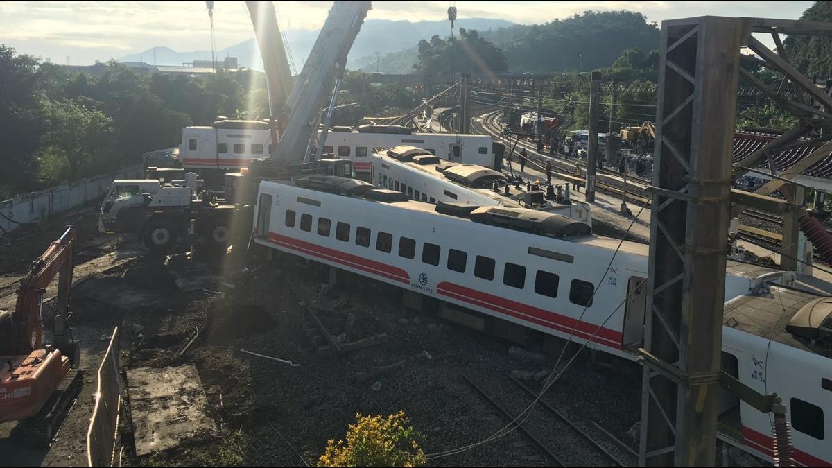 普悠瑪事故 台鐵:司機員20日才休假 無過勞問題