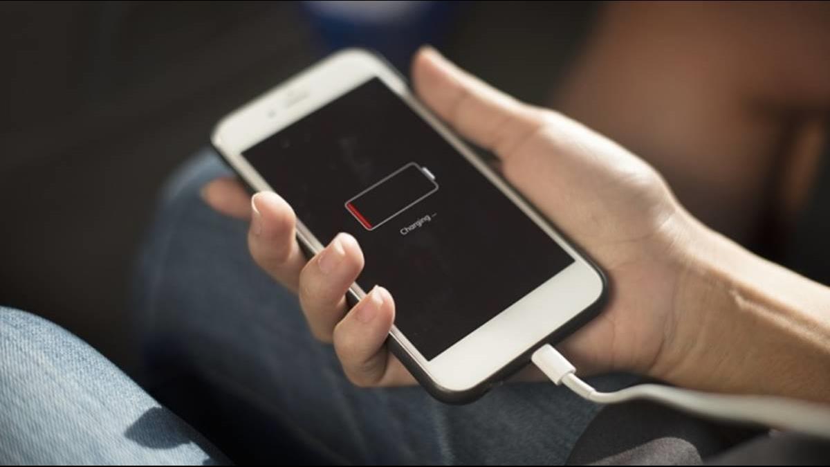 手機剩幾%充電最好?維持「安全電量」才正確
