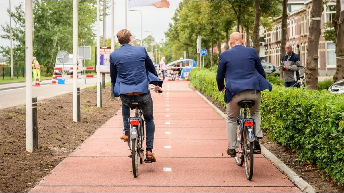 比限塑令有效?荷蘭回收50萬瓶蓋 用來鋪路