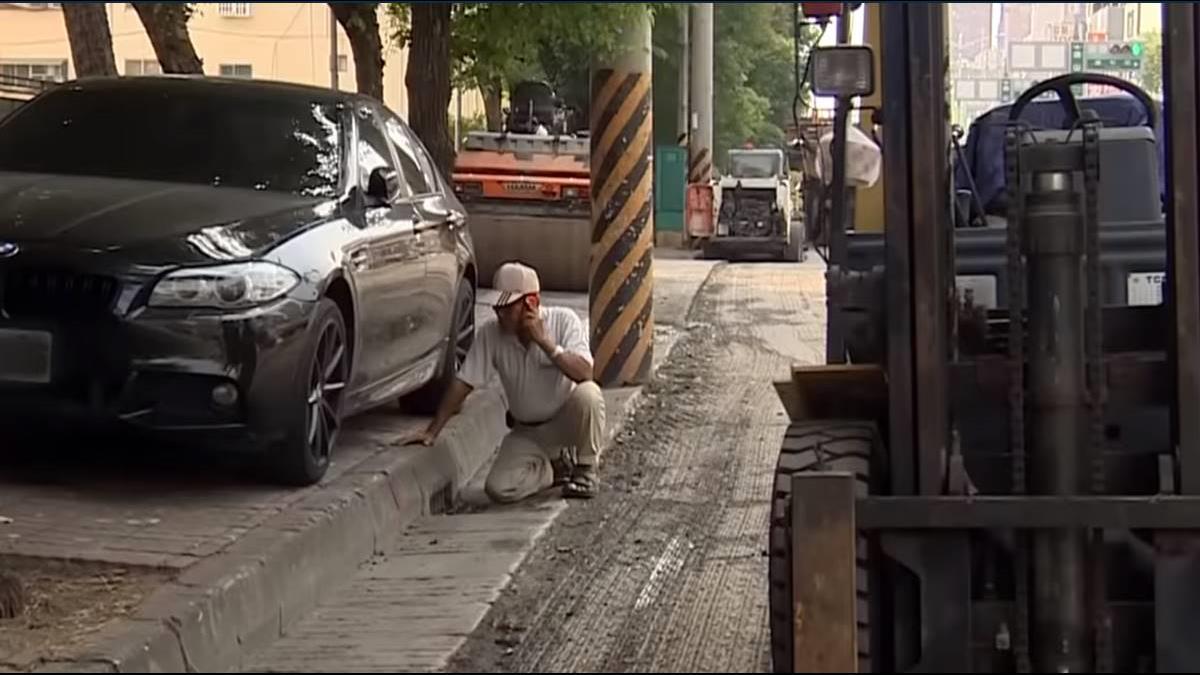 要鋪路移車疑害底盤受損 BMW車主氣提告