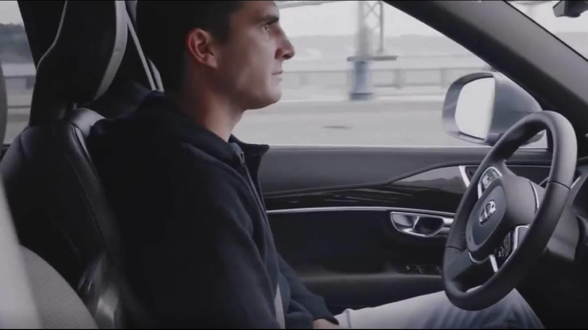 撞孕婦或害乘客?自駕車陷道德困境