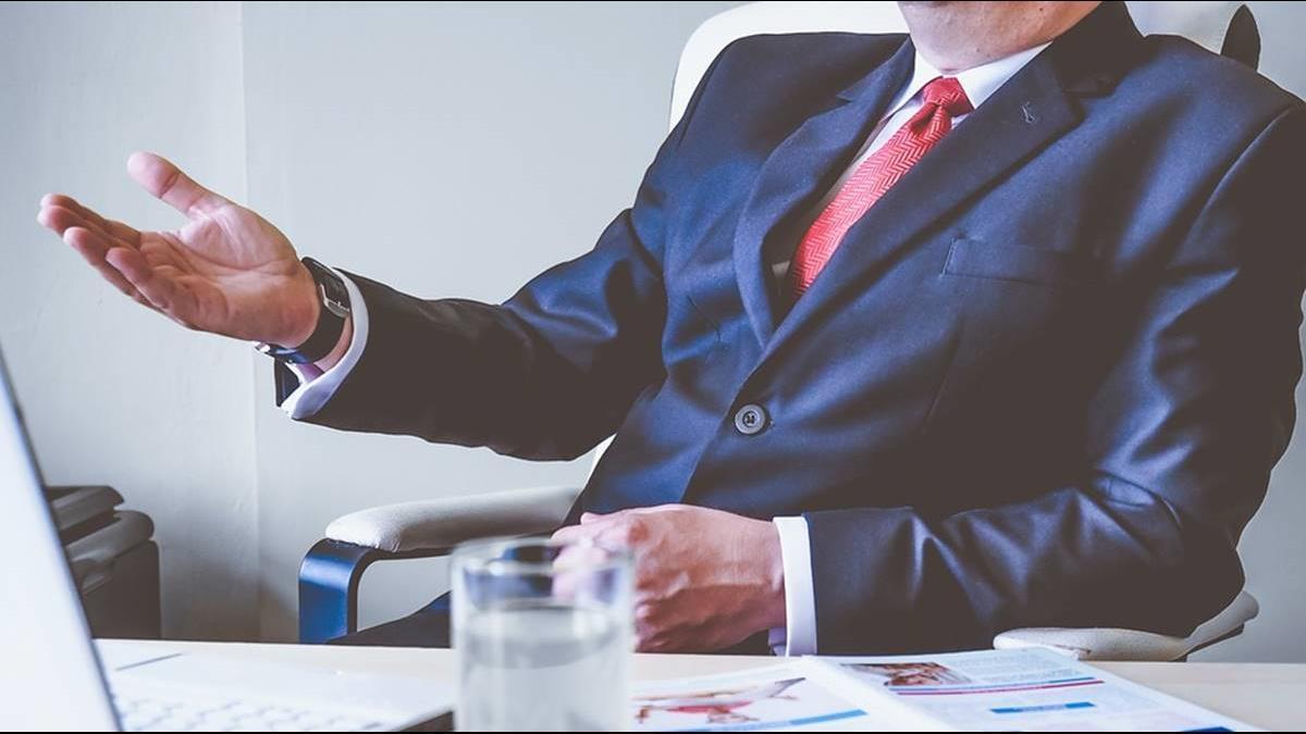 員工年薪不到60萬 2上市公司遭點名「慣老闆」