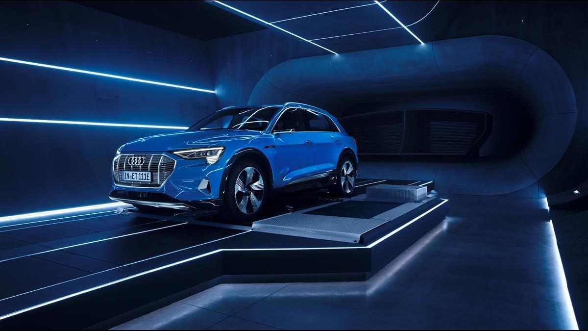 坐上駕駛座就連上網! Audi結盟亞馬遜黑科技