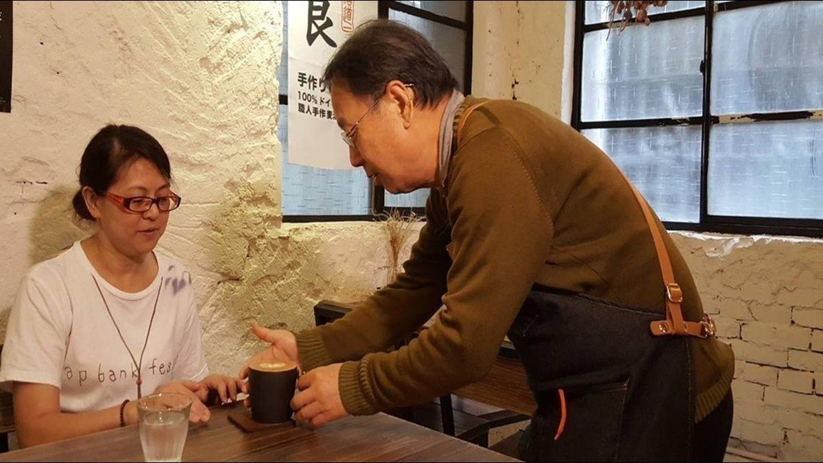 失智也能工作!75歲的他成咖啡館最老店員