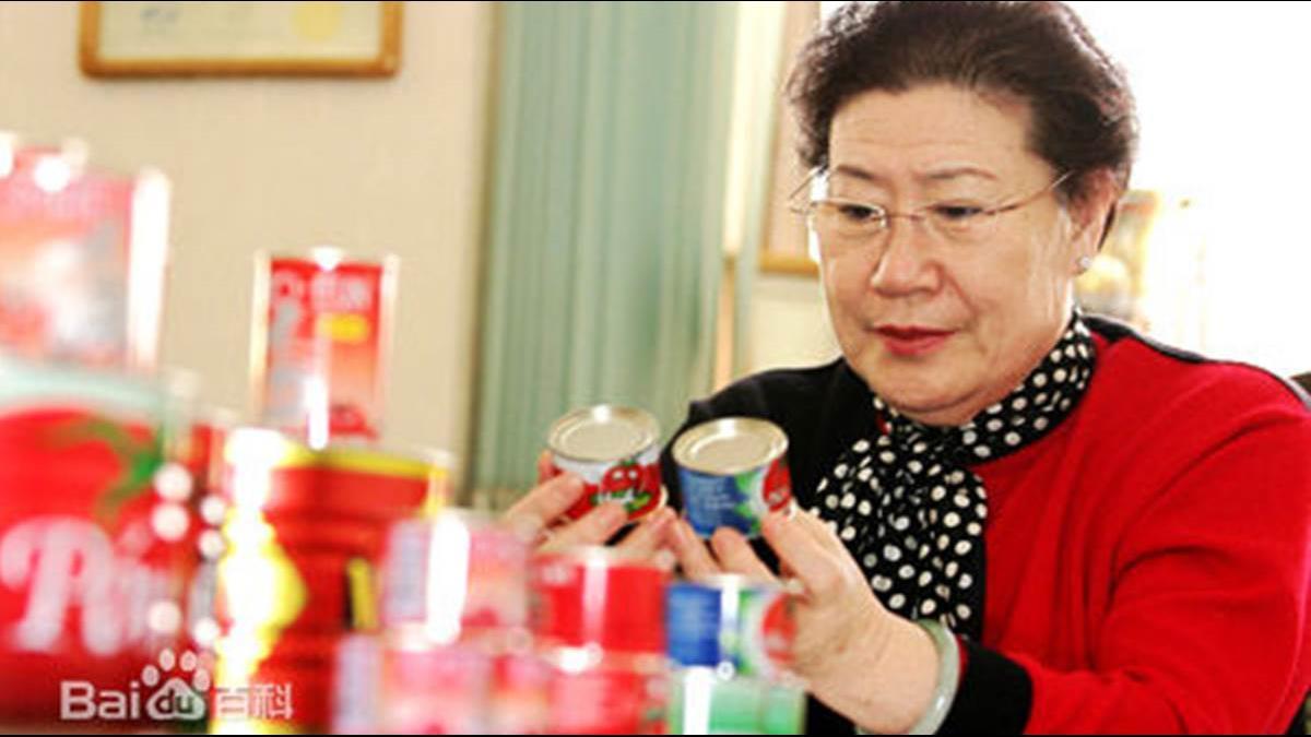 100萬到888億!她55歲退休創業「靠易開罐征服紅牛」