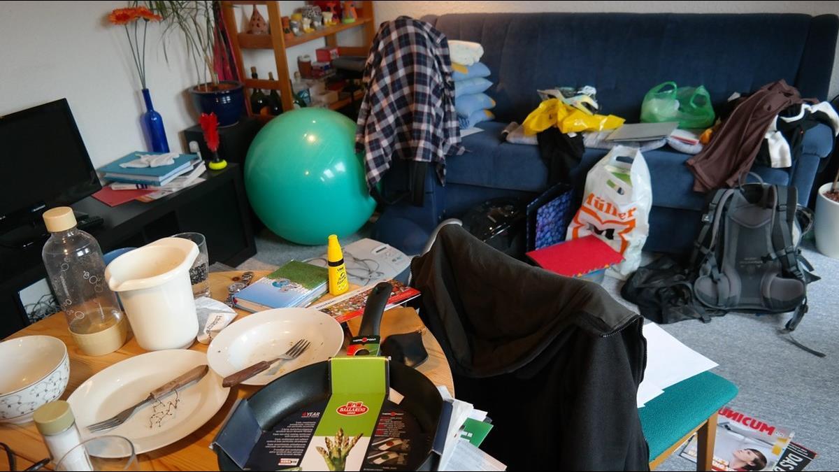 房間亂才有的「7大特質」!心理學家:越亂越善良