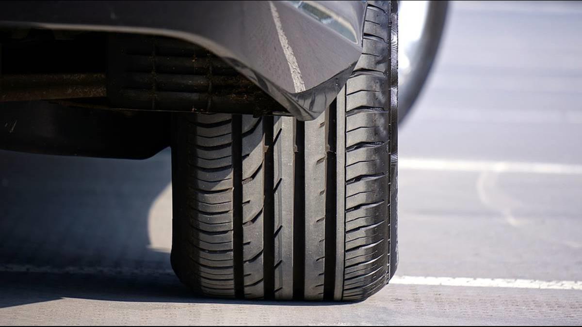 輪胎為什麼都是黑色?五顏六色慘遭淘汰原因出爐