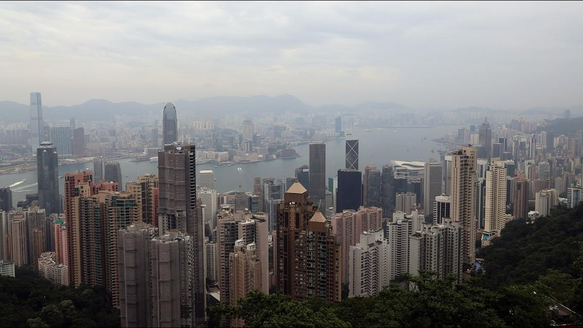 不用再住「棺材房」? 2原因讓香港房價罕見下跌