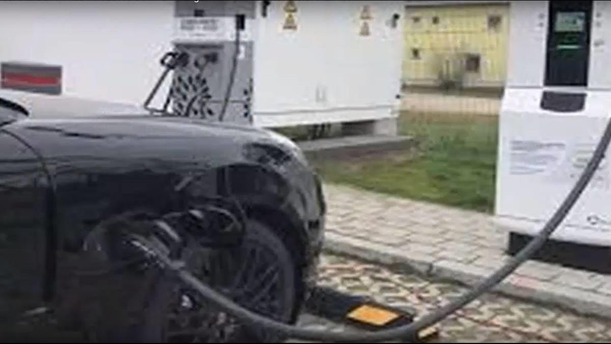 BMW攜手保時捷推極速充電 3分鐘充好100公里