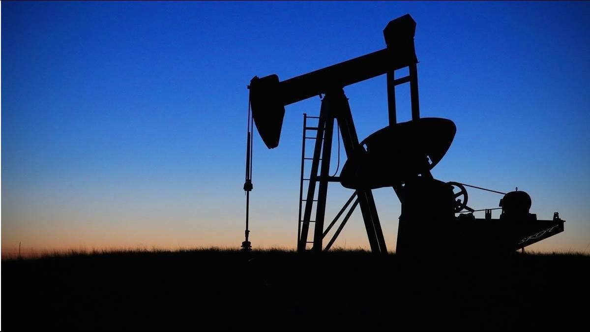 俄國出手助攻?國際原油狂漲近9% 創2年最大漲幅
