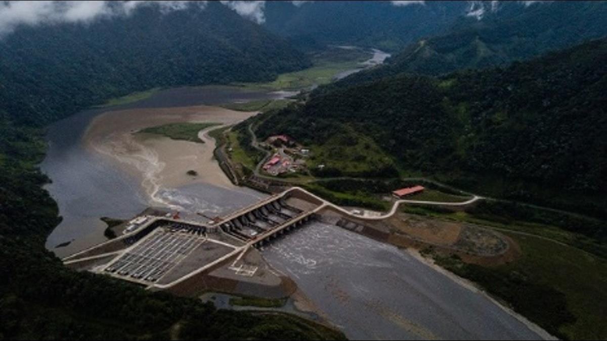 「陸製大壩」現7648道裂縫!厄瓜多慘揹862億鉅債